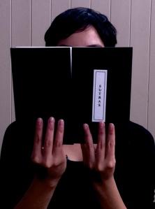 Así se toman los libros de Sutras